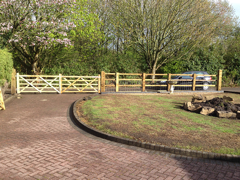 Poolstock Fencing & Gates - Portfolio of Work